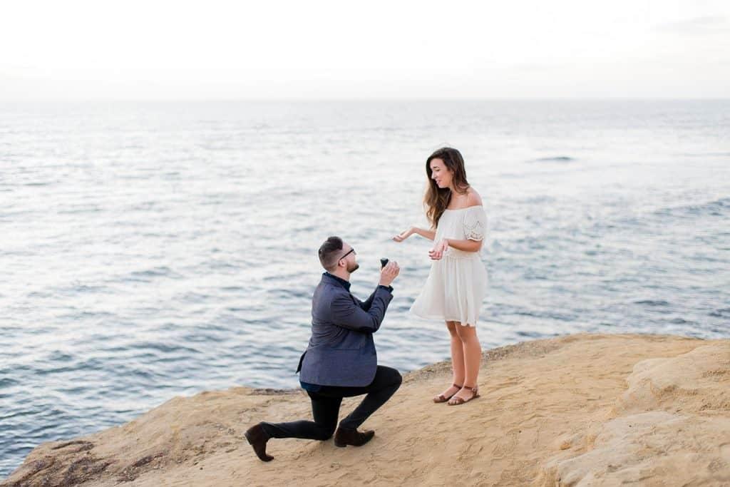 הצעת נישואין מול הים