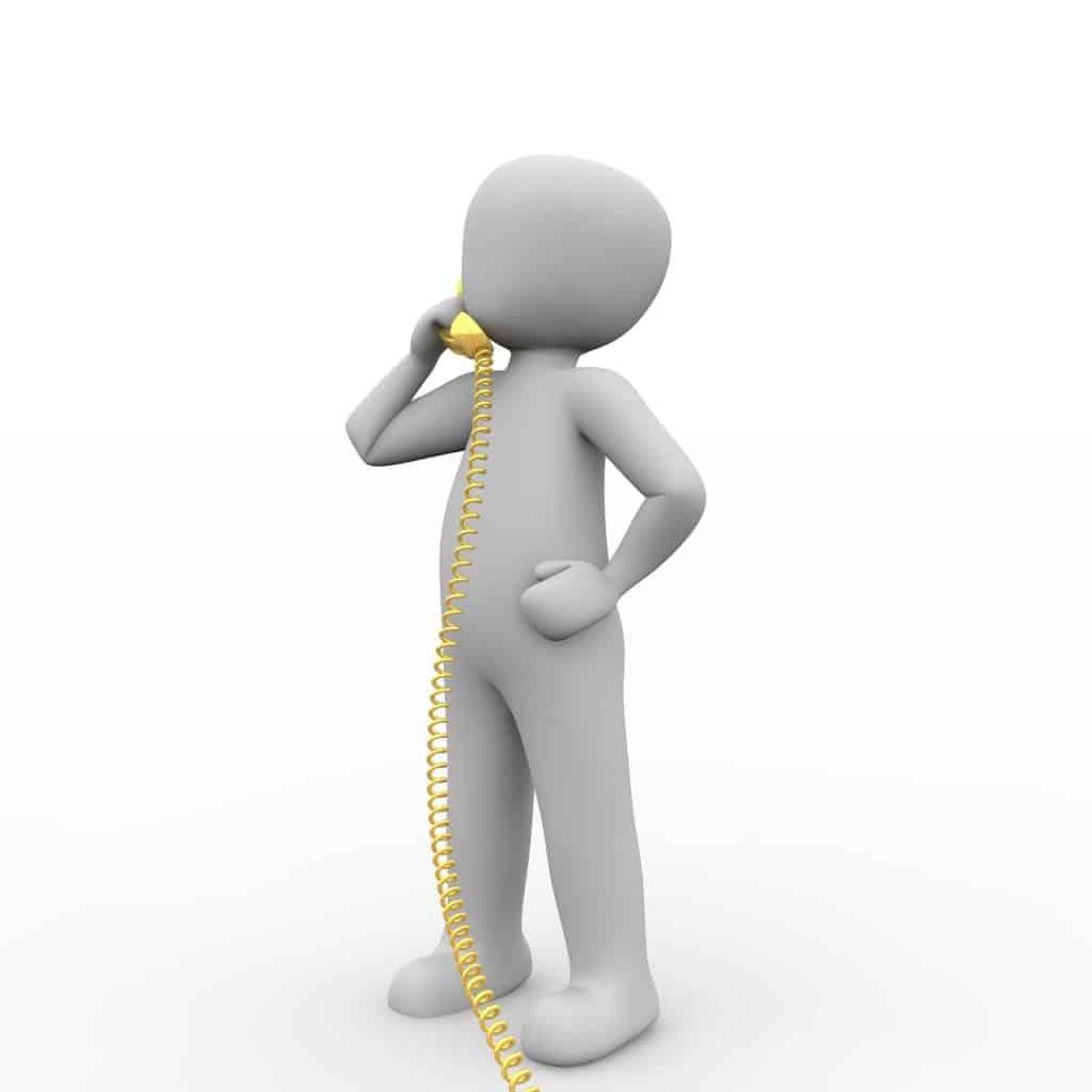 איש מצויר עונה לטלפון