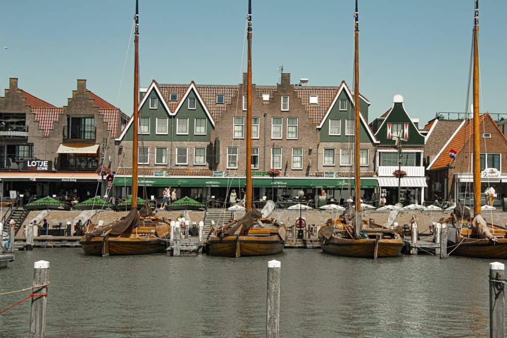 טיול יום בכפר הדייגים וולנדם